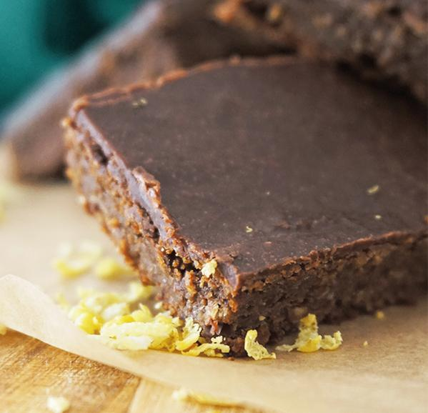 CHOCOLATE BAR WITH CHICKPEA