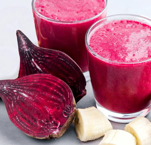 WOMAN RED SMOOTHIE