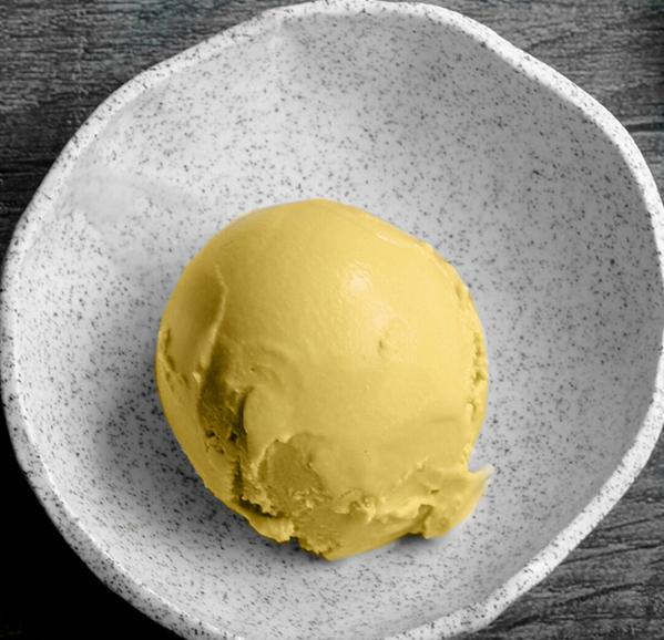 COCONUTS ICE CREAM WITH MANGO AND CURCUMA